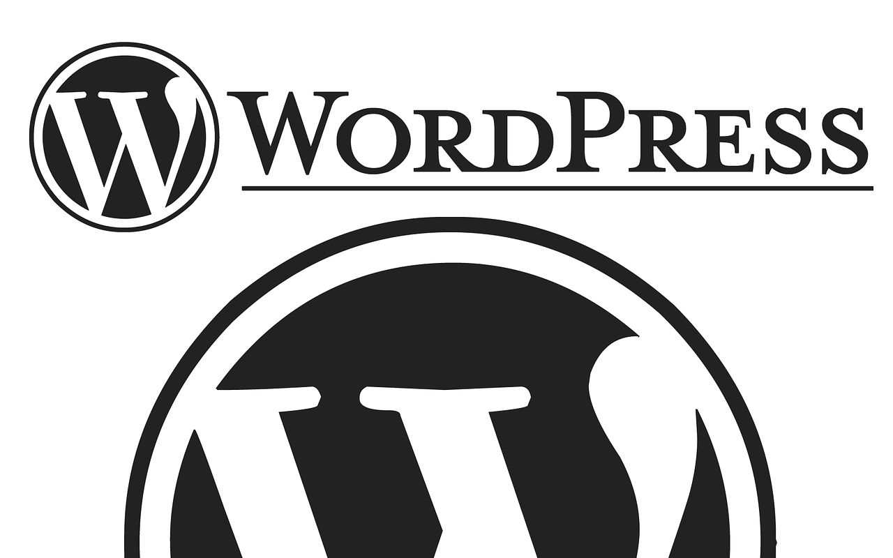 WordPress初心者おすすめ!ブログに役立つプラグインの紹介記事アイキャッチ WordPressのシンプルロゴ